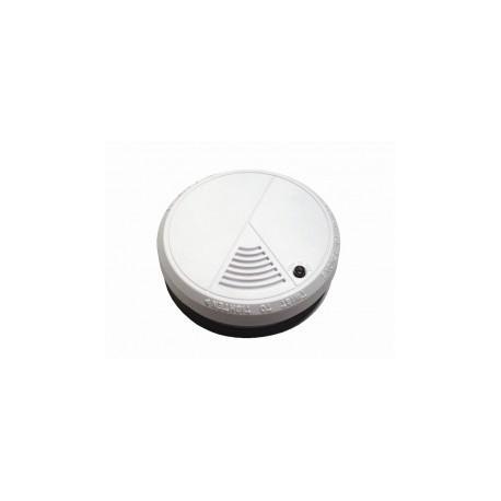 Smoke detector + batteries